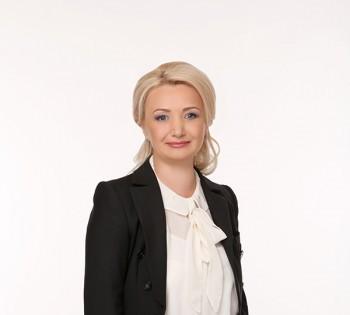 Женский деловой портрет. Студийная фотосессия.