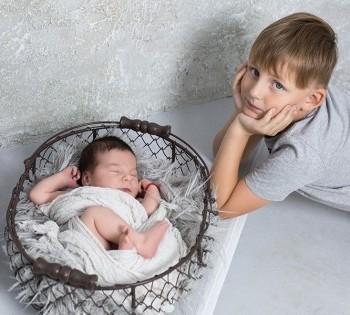 Семейная фотосессия с младенцем в фотостудии Птичка.Фотограф Лариса Дубинская. Днепр