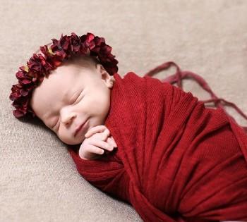 Фотосъёмка новорожденного малыша. Фотограф Лариса Дубинская. Днепр. Профессиональная фотосъемка новорожденных.