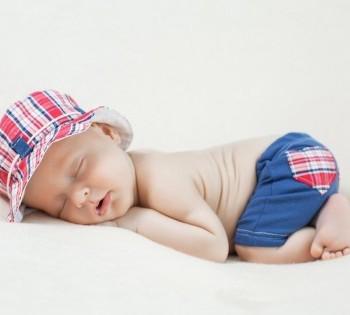Фотосессия  младенца в фотостудии. Фотограф Лариса Дубинская.  Днепр