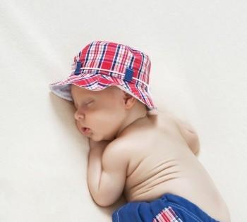 Семейная фотосессия  младенца в фотостудии Птичка. Фотограф Лариса Дубинская.  Днепр