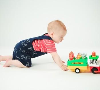 Рекламная фотосессия для интернет-магазина игрушек.