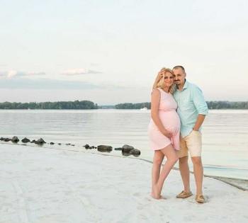 Фотосъемка беременности на природе. Фото беременной с мужем. Фотограф Лариса Дубинская. Днепр
