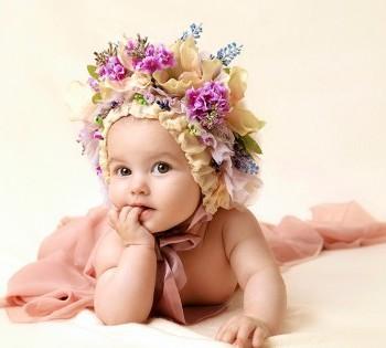 Милейшее студийное фото маленькой малышки. Фотосъемка первого года жизни ребенка. Фотограф Лариса Дубинская. Днепр