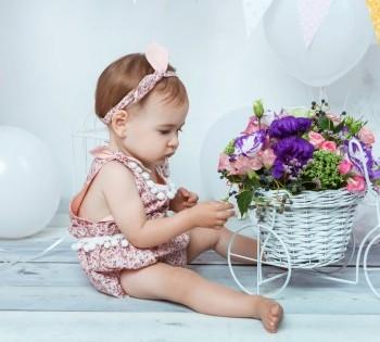 Фотосессия ребёнка на один годик. Фотостудия Птичка