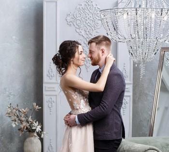 Свадебная фотосессия в студии. Свадебный фотограф в Днепре.