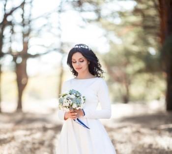 Нежная фотография невесты на природе. Свадебный фотограф в Днепре.