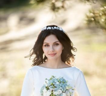 Нежная фотография невесты с букетом