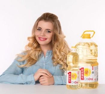 Рекламная съёмка подсолнечного масла