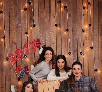 Новогодняя семейная фотосессия . Семейное фото в студии. Фотоателье Птичка. Днепр.