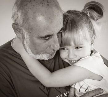 Душевные фотографии дедушки и внучки