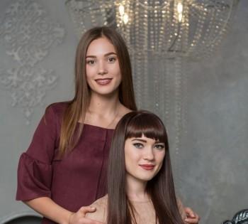 Фотография красивых и стильных сестричек. Семейная фотосессия.