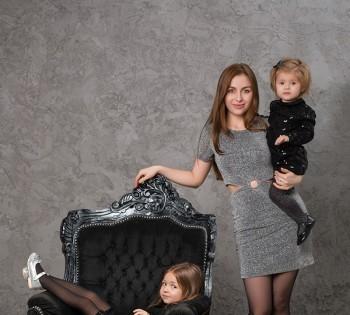 Стильная семейная фотосессия в фотостудии Птичка.