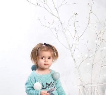 Новогодняя фотосессия для чудесной малышки.