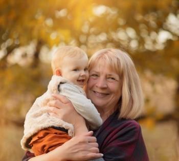 Малышка с бабушкой. Фотосессия на природе. Днепр